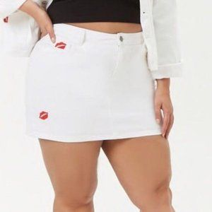 Forever 21 Jean Skirt Embroidered Red Lips White